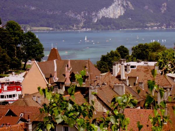 Alplerin Eteklerinde: Annecy
